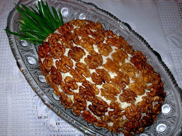 Салат ананас с курицей